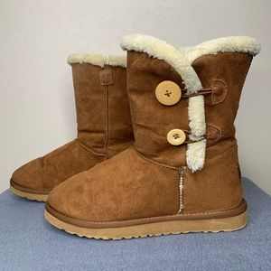 UGG Australia Bailey 2 Button Boot Brown Size 8